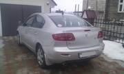 Автомобиль Mazda Axela,  седан