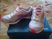 Фирменные женские кроссовки