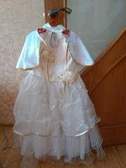праздничное детское платье с пелериной