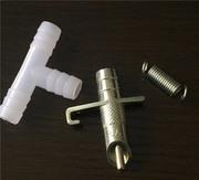 Ниппельные поилки для кроликов в комплекте (поилка,  тройник и пружинка